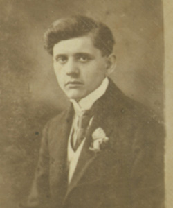 Thomas Tajber's father, concert pianist